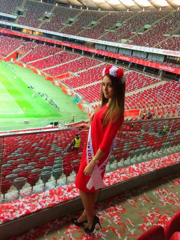 Obsługa strefy VIP na Stadionie Narodowym podczas meczu Polska-Kazachstan